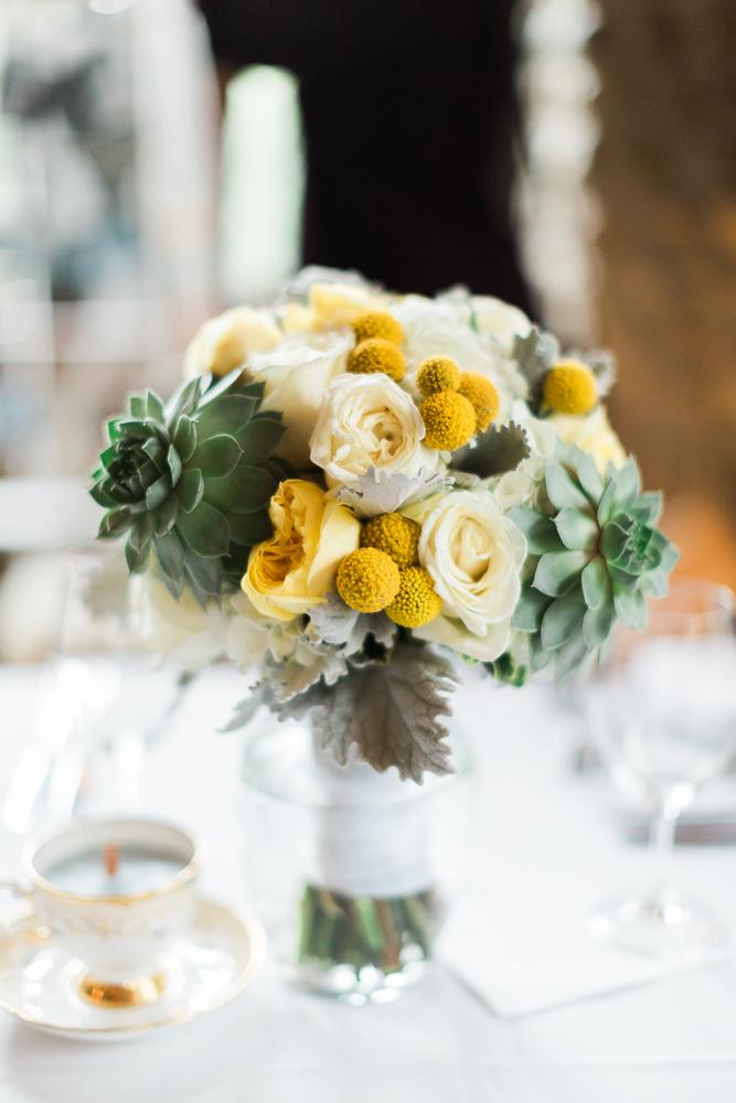 Vintage Wedding Decor - A Romantic & Intimate Wedding Full of Vintage Charm