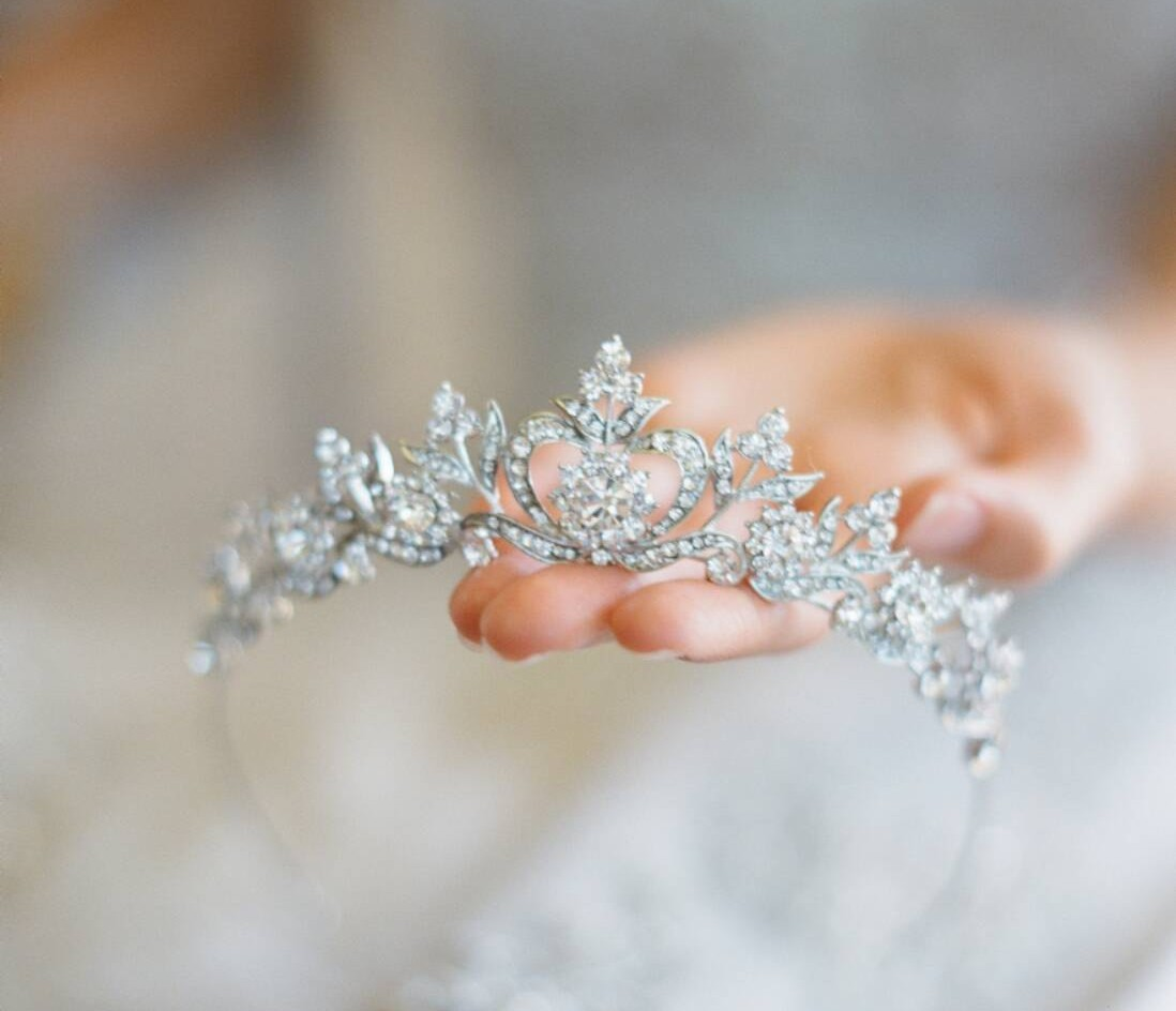 20 Perfect Hair Accessories for the 1950s Loving Bride - Silver Tiara
