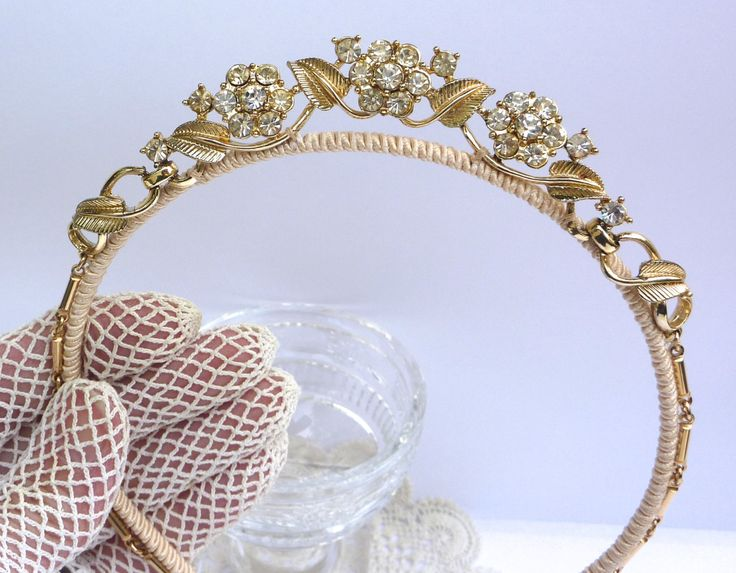 20 Perfect Hair Accessories for the 1950s Loving Bride - Vintage Headband