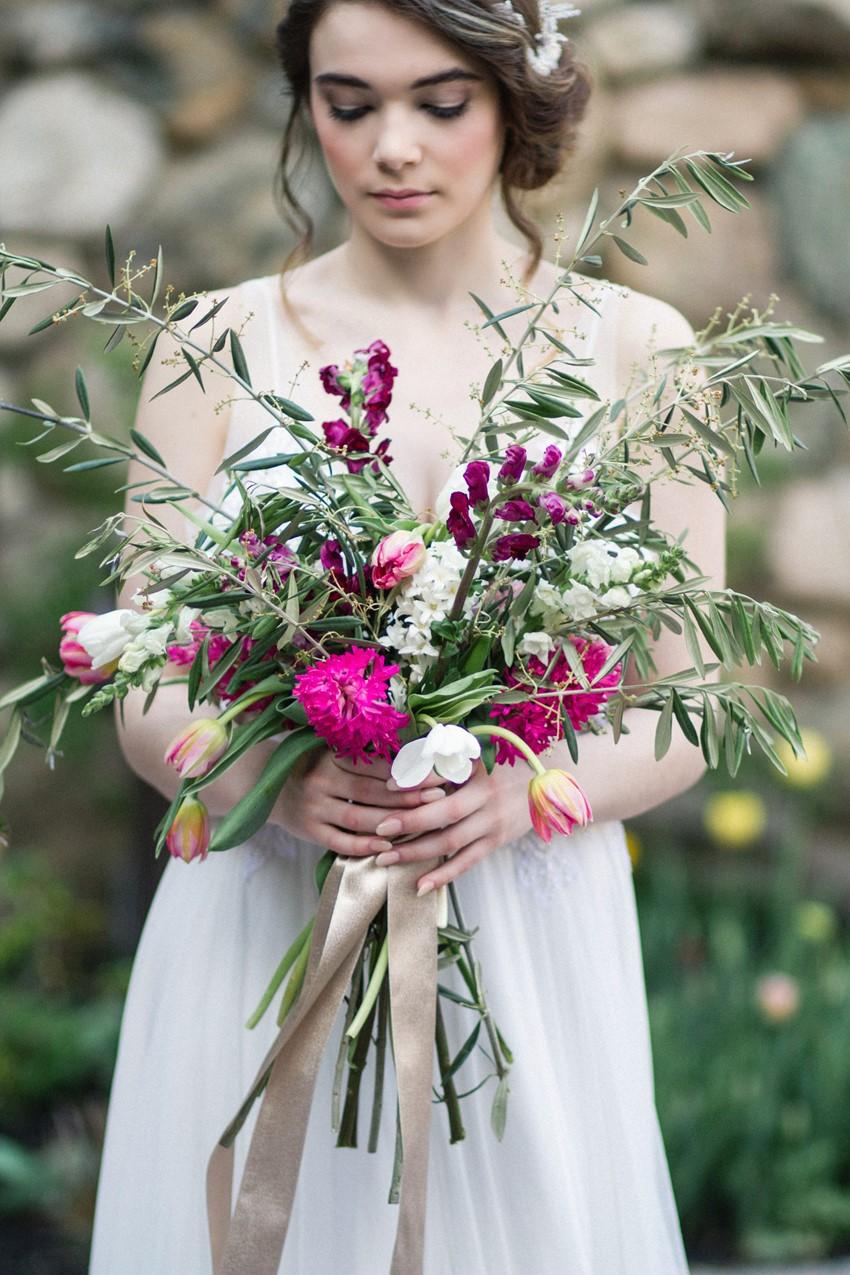 Foraged Bridal Bouquet - Romantic Al Fresco Wedding Ideas Inspired by Tuscany