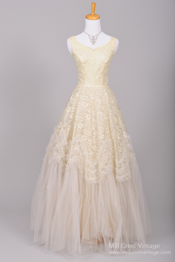 Beautiful Authentic Vintage 1950s Wedding Dresses : Chic Vintage ...