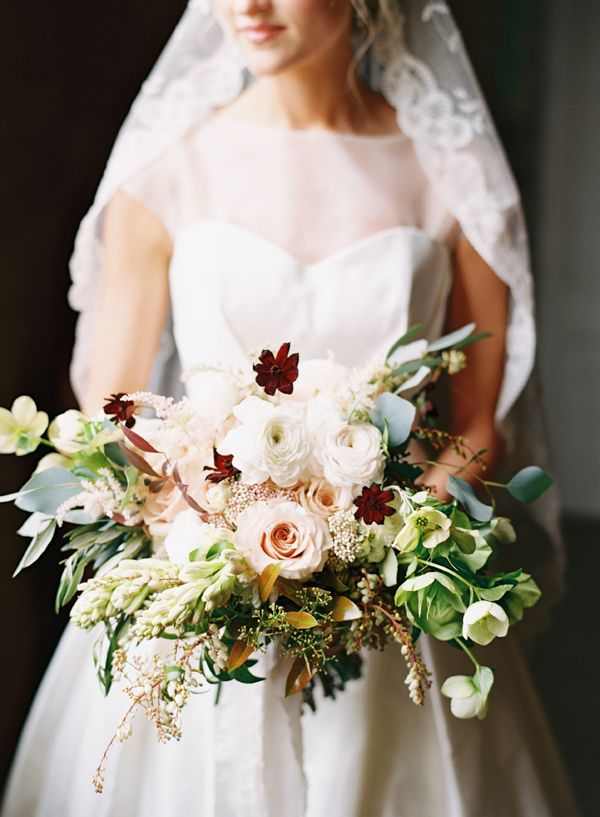 Autumn Bridal Bouquet - 20 Beautiful Bridal Bouquets for the 1950s Loving Bride