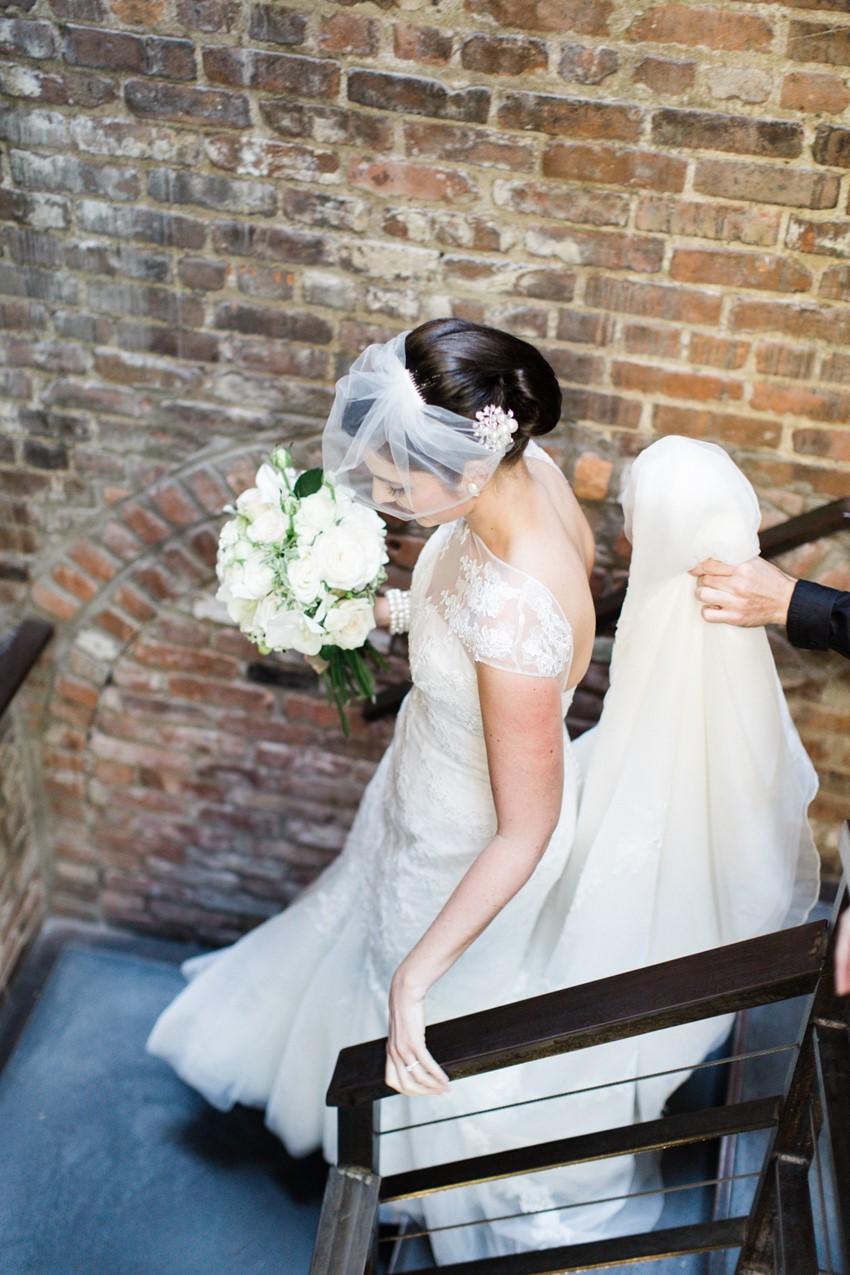 Vintage Inspired Bride - A Vintage Inspired City Wedding in a Crisp and Elegant Palette of Ivory, Black & Green
