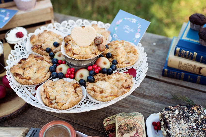 Rustic Wedding Dessert Table - Picnic in the Woods - Cozy and Romantic Autumn Wedding Inspiration