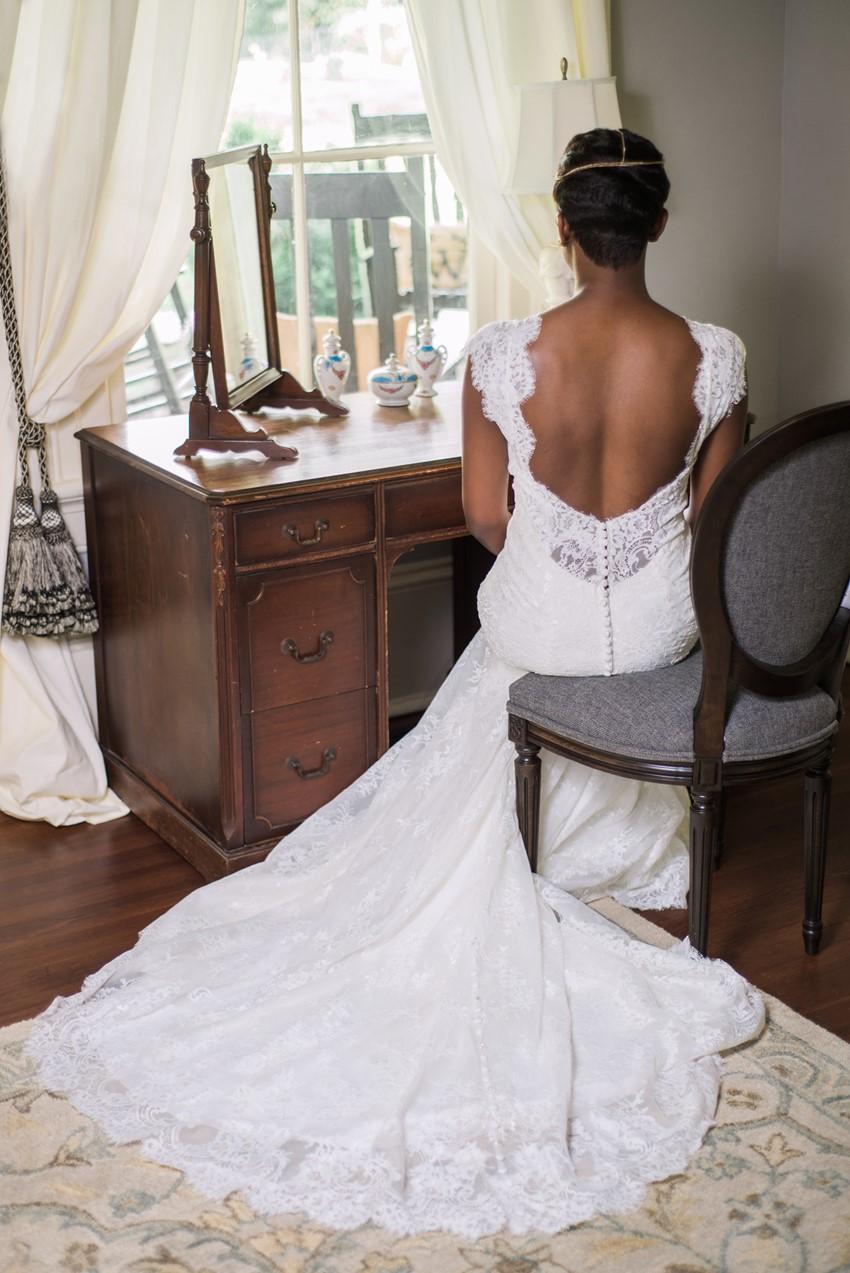 Art Deco Bride in a Lace Wedding Dress- Stylish Jazz Age Wedding inspiration Full of Decadence