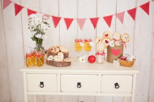 DIY Strawberry Pie Pops for Valentines