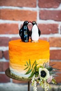 Penguin Wedding Cake Topper - Mid-Century Vintage Wedding Shoot Inspired by Penguin Books