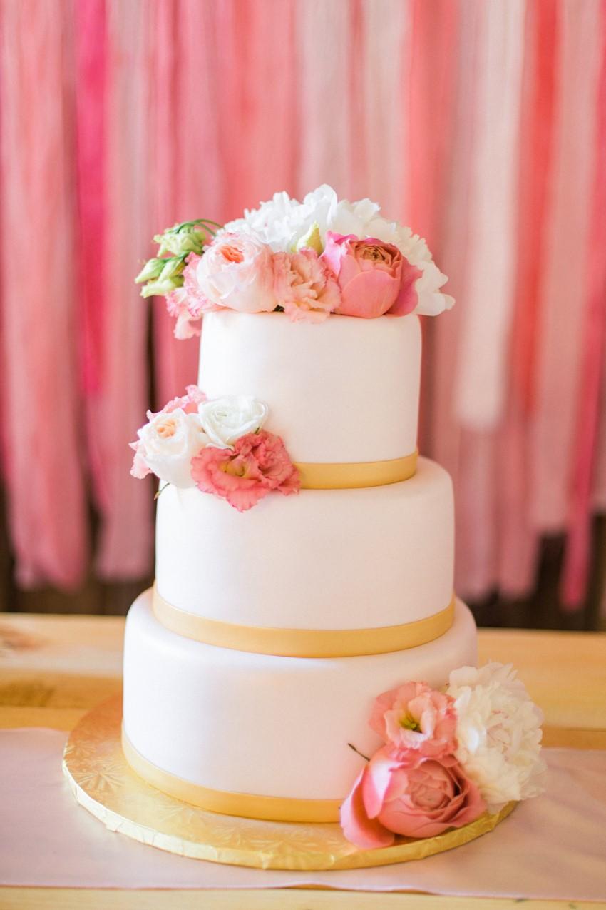 Wedding Cake - A Romantic Modern-Vintage Wedding with an Elegant Barn Reception Romantic Modern-Vintage Wedding with an Elegant Barn Reception