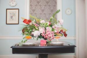 Art Deco Sweetheart Table - A 1920s Speakeasy-Inspired Wedding Styled Shoot