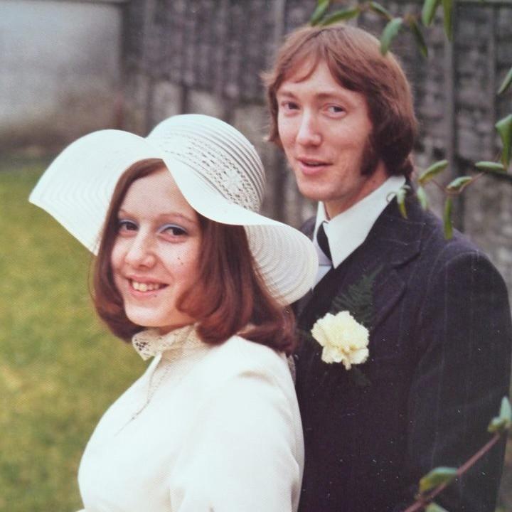 Chic Vintage Bride - Anne Dove