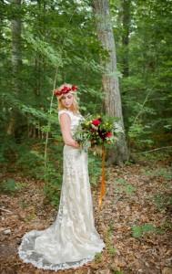 Boho Vintage Bride with Bouquet - Boho Vintage Wedding Inspiration in Red, Green & Gold