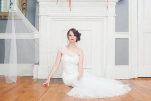 One Shouldered Lace Wedding Dress - A 1920s Speakeasy-Inspired Wedding Styled Shoot