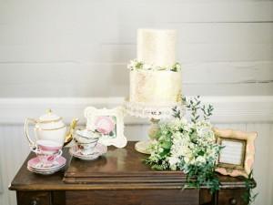 Love Lasts - Elegant Vintage Winter Wedding Inspiration