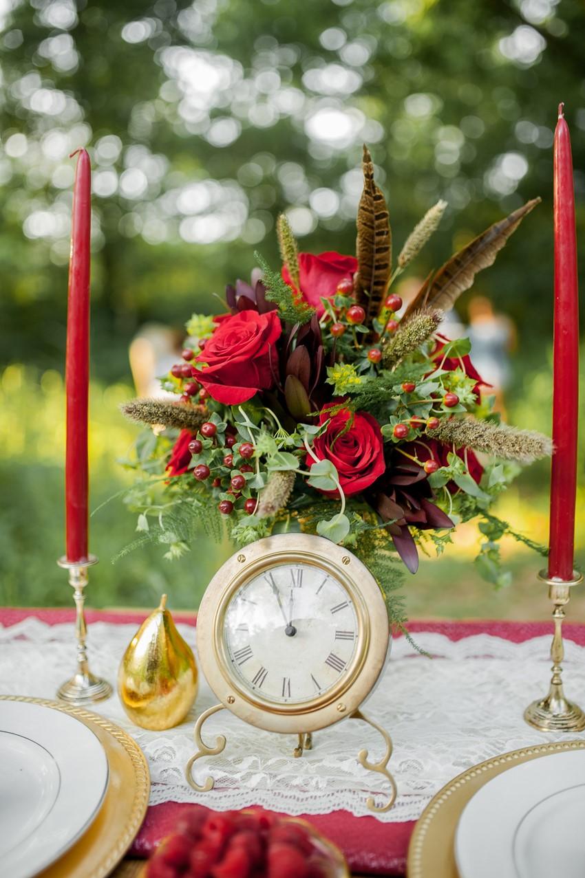 Vintage Wedding Decor - Boho Vintage Wedding Inspiration in Red, Green & Gold