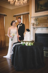 Art Deco Wedding Cake - Glamorous Art Deco Wedding Inspiration