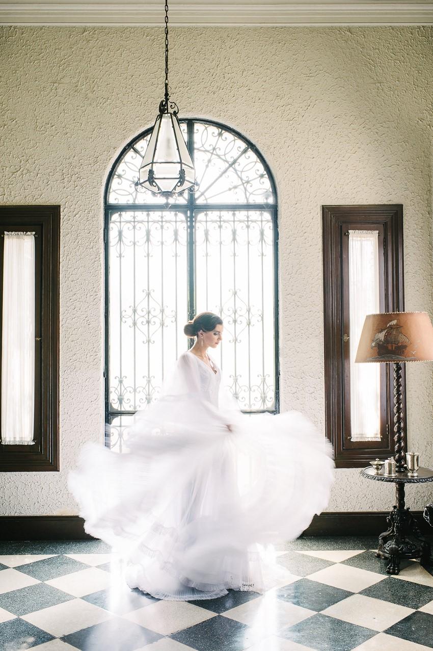 Vintage Inspired Bride - Wedding Inspiration with Latin American Elegance