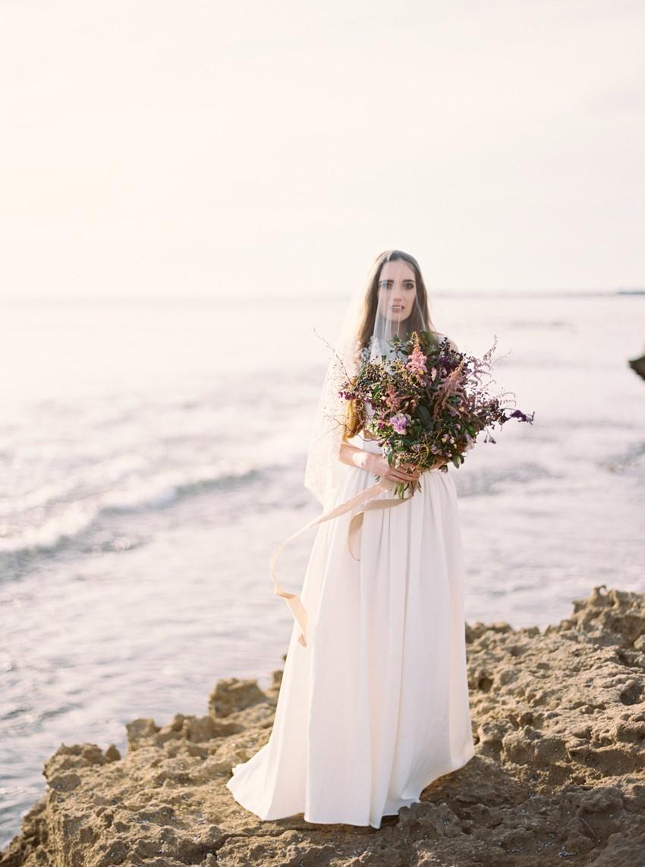 Elegant beach bride