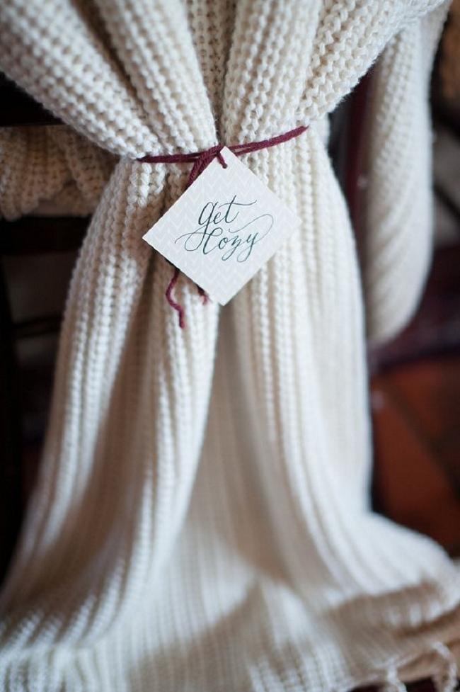 Blanket Wedding Favours for an Autumn Wedding