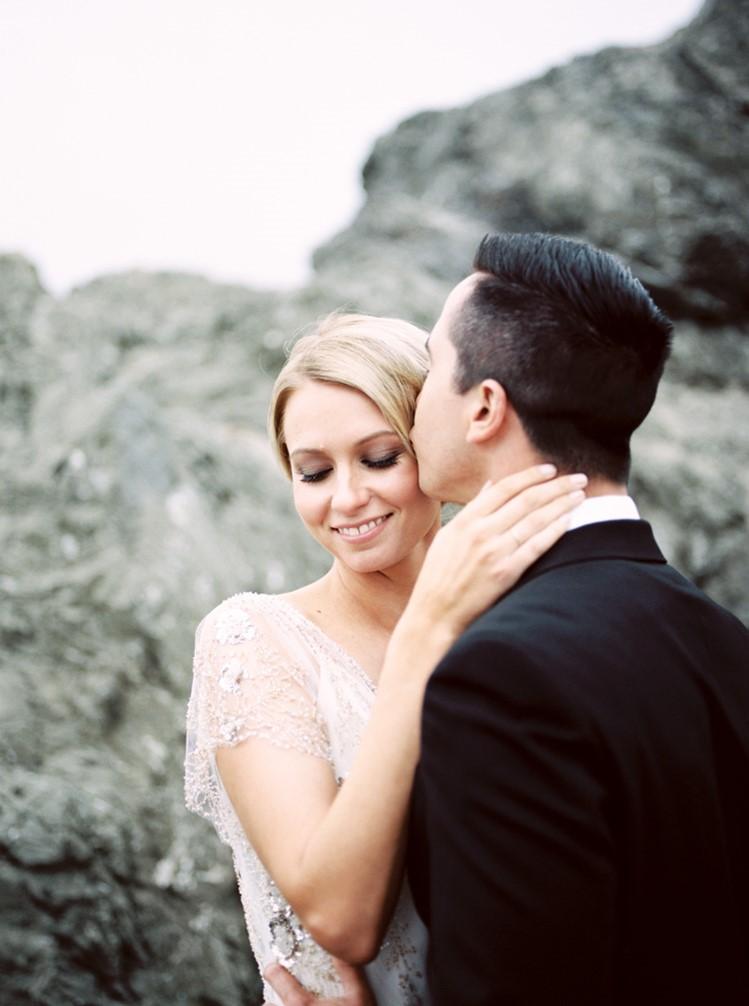 Romantic Vintage Wedding Anniversary Session // Photography by Taralynn Lawton http://taralynnlawton.com