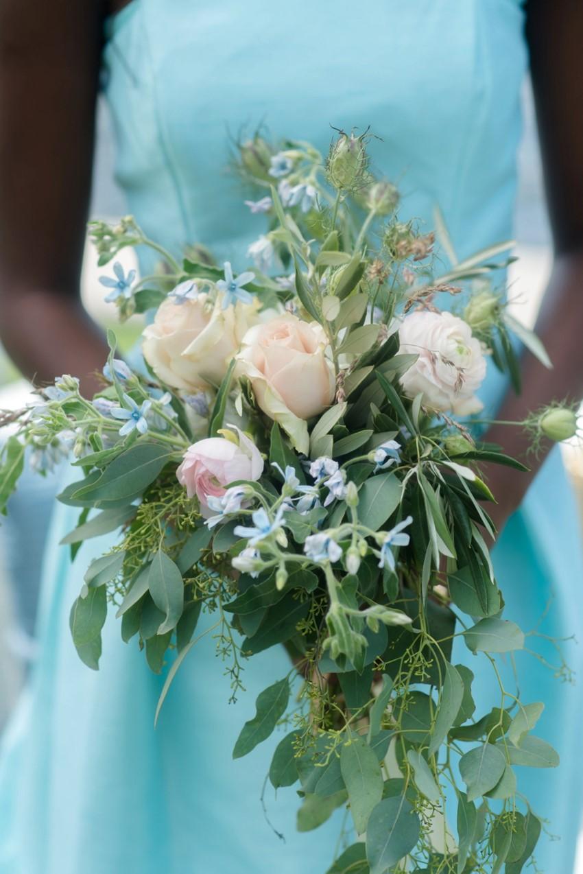 Bridesmaid Bouquet // Photography by Caroline & Evan Photography
