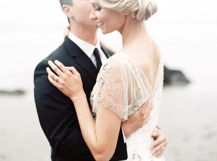Romantic Wedding Anniversary Session // Photography by Taralynn Lawton http://taralynnlawton.com