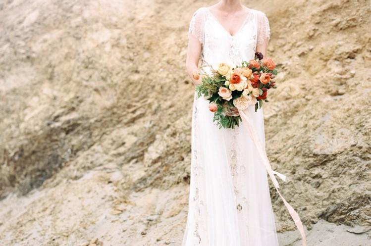 Beautiful Beach Bridal Bouquet // Photography by Taralynn Lawton http://taralynnlawton.com
