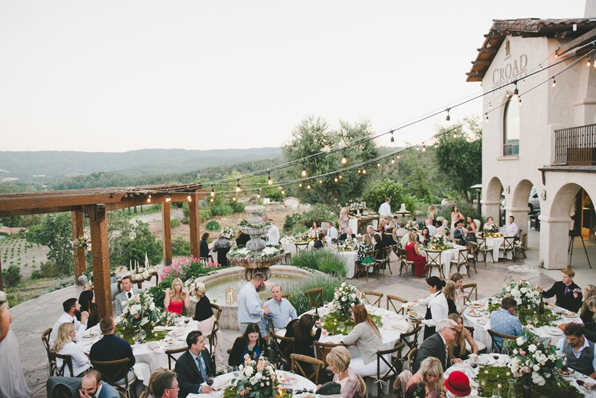 Outdoor Summer Wedding Reception // Photography by Onelove Photography http://www.onelove-photo.com