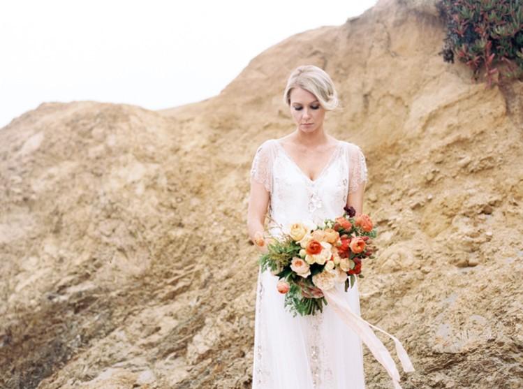 Berries & Orange Blooms Bridal Bouquet // Photography by Taralynn Lawton http://taralynnlawton.com