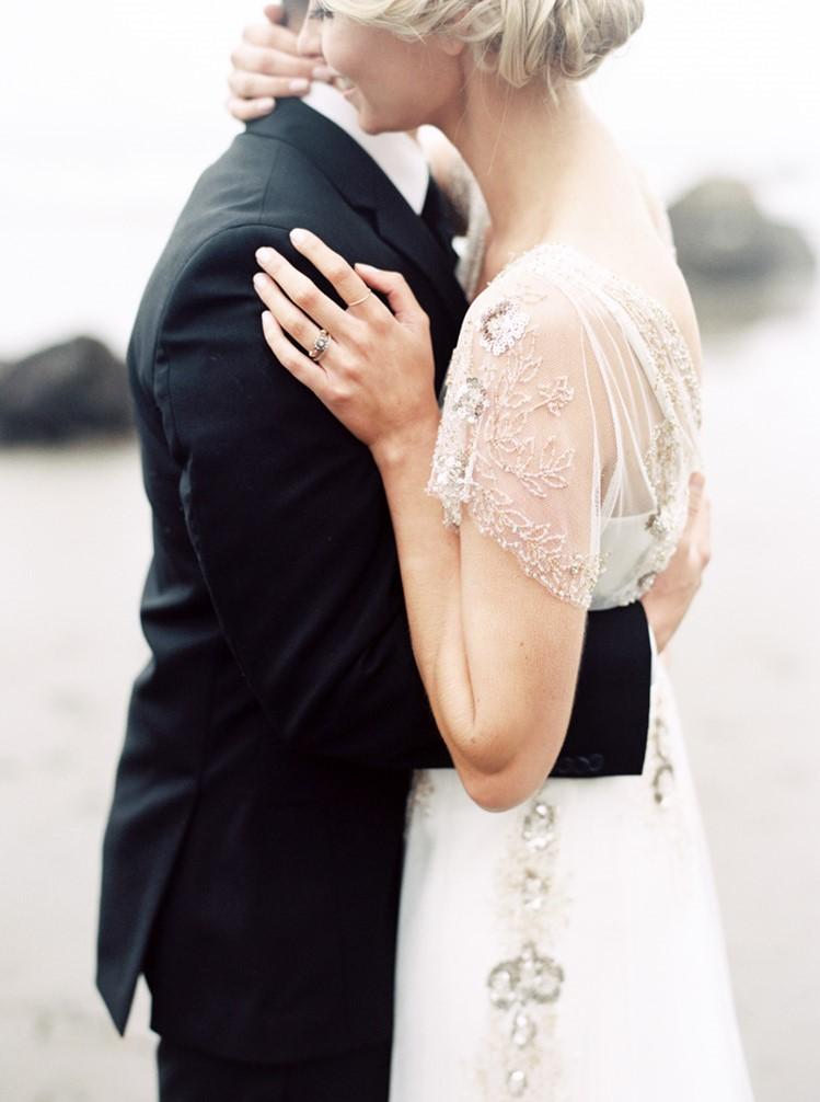 Romantic Wedding Anniversary Ideas // Photography by Taralynn Lawton http://taralynnlawton.com