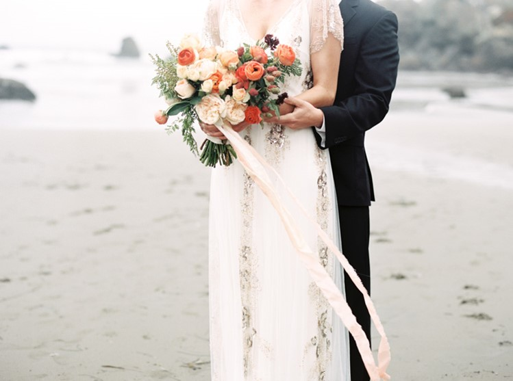 Beautiful Autumn Bridal Bouquet // Photography by Taralynn Lawton http://taralynnlawton.com