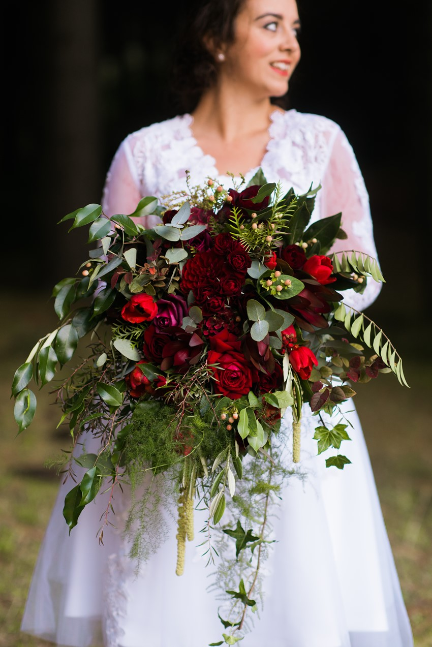 A Breathtaking Red Bridal Bouquet