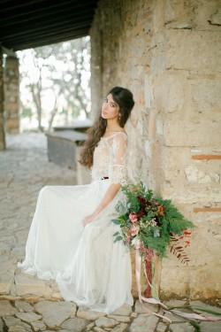 Romantic Vintage Boho Bride // Photography ~ Anna Roussos Photography