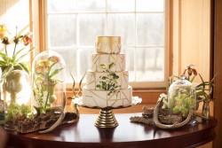 Modern Vintage Green & White Wedding Cake // Photography ~ Nataschia Wielink