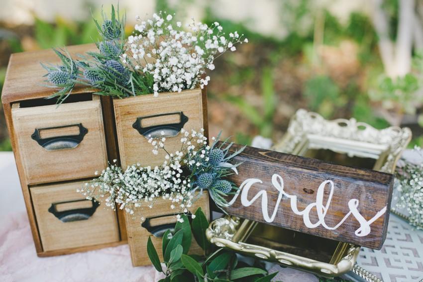 Vintage Wedding Reception Decor Vintage Wedding Reception Decor// Photography Onelove Photography