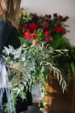 A Romantic Red Bridal Bouquet Recipe