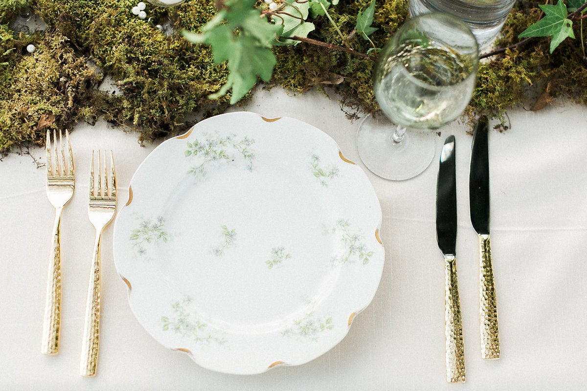 Elegant Vintage Wedding Place Setting // Photography ~ Sharmila Photography