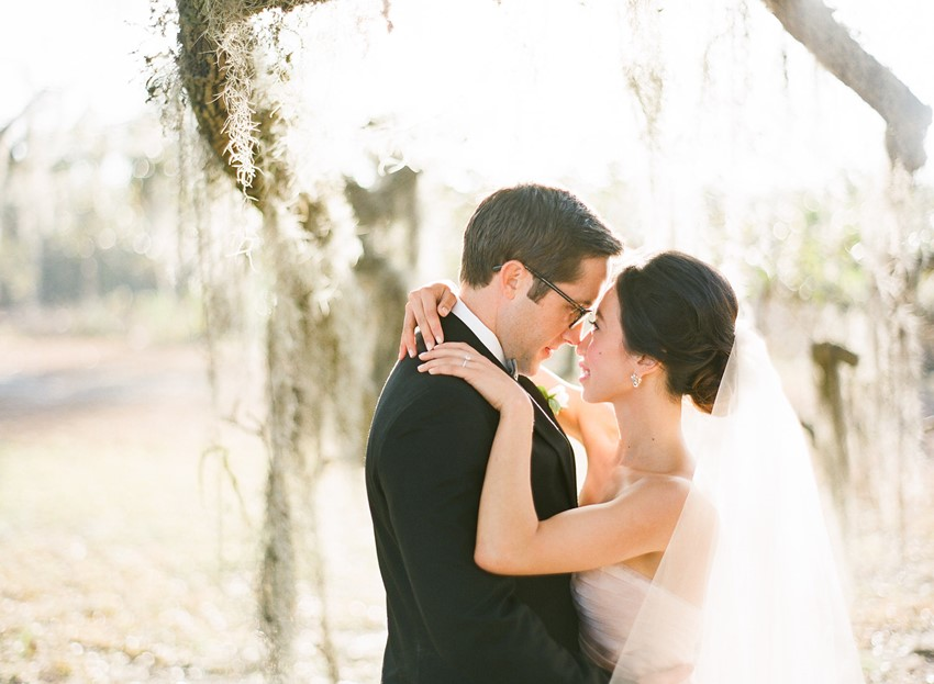 Romantic Wedding Portrait // Photography ~ The Happy Bloom