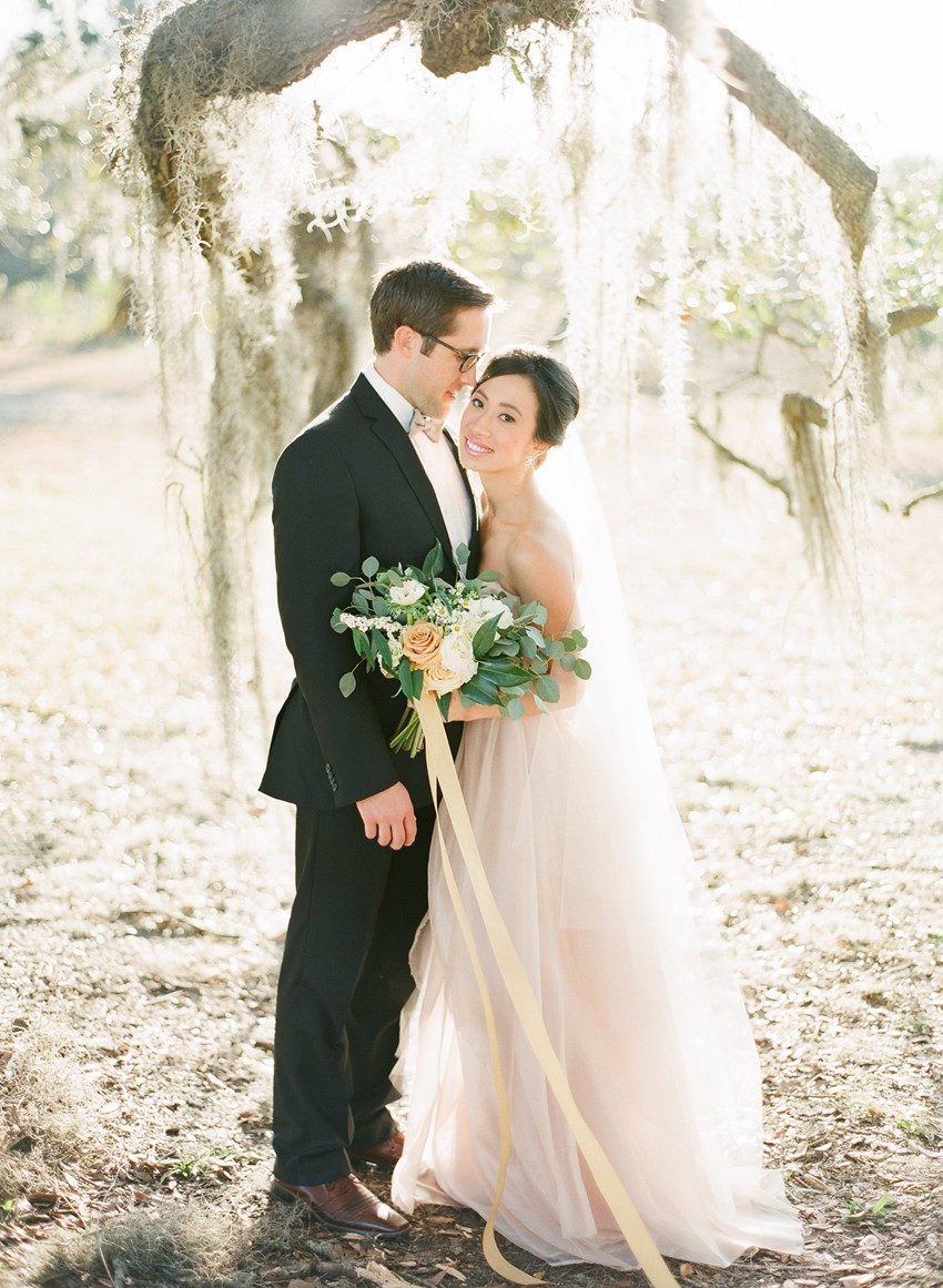 Romantic Wedding Portrait // Photography ~ The Happy Bloom