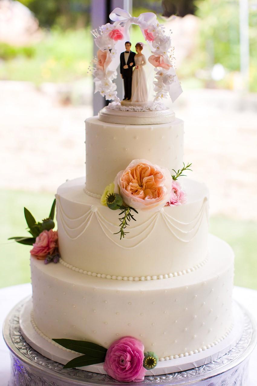 Vintage Inspired Wedding Cake // Photography ~ Mike Reed Photo