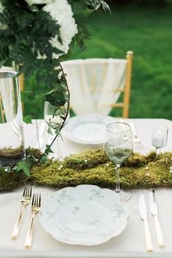 Elegant Garden Wedding Place Setting // Photography ~ Sharmila Photography