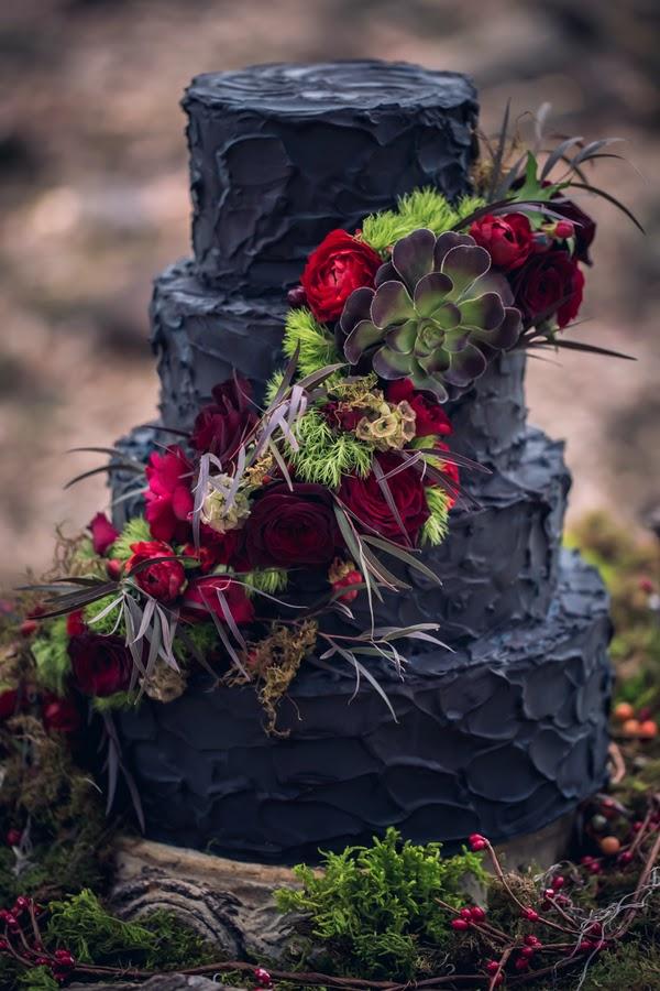 Black Wedding Cake 10b