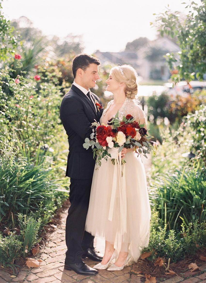 Romantic Garden Wedding Portraits // Photography ~ Marissa Lambert Photography