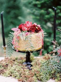 Opulent Gold Single Tier Wedding Cake