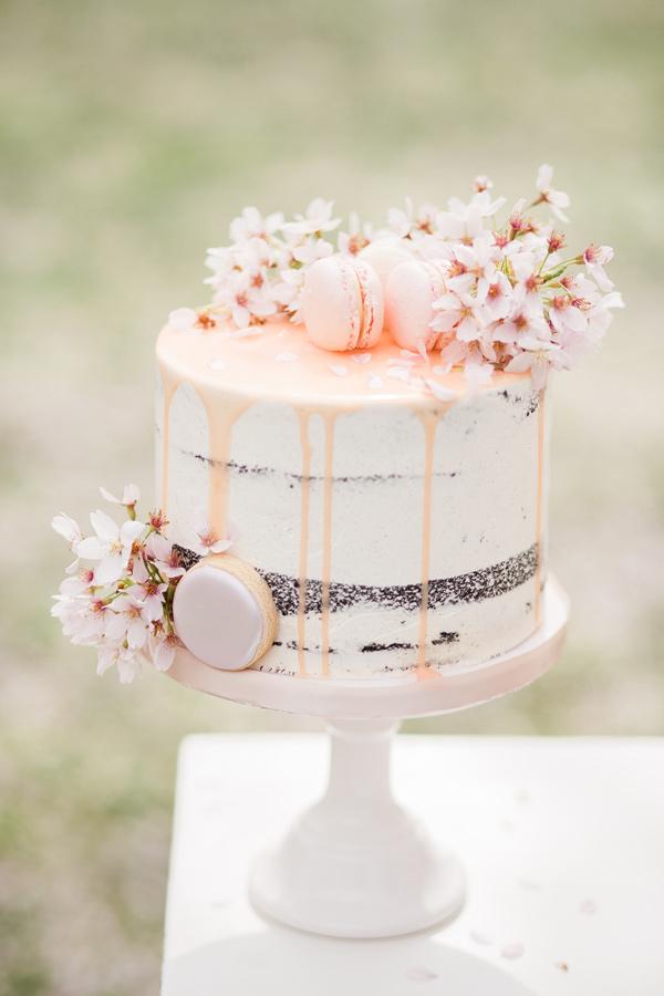 20 Single Tier Wedding Cakes With Wow Chic Vintage Brides Chic Vintage Brides