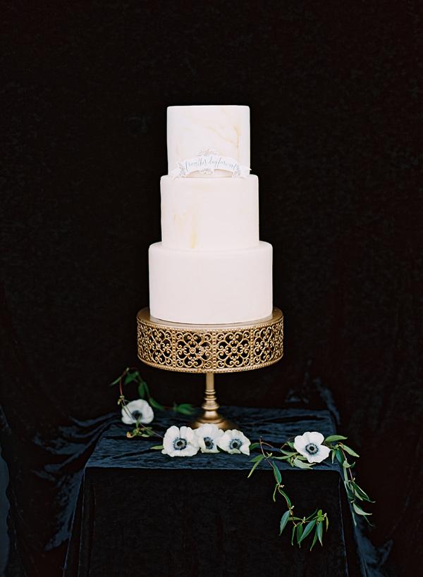 Wow Wedding Cake Stand