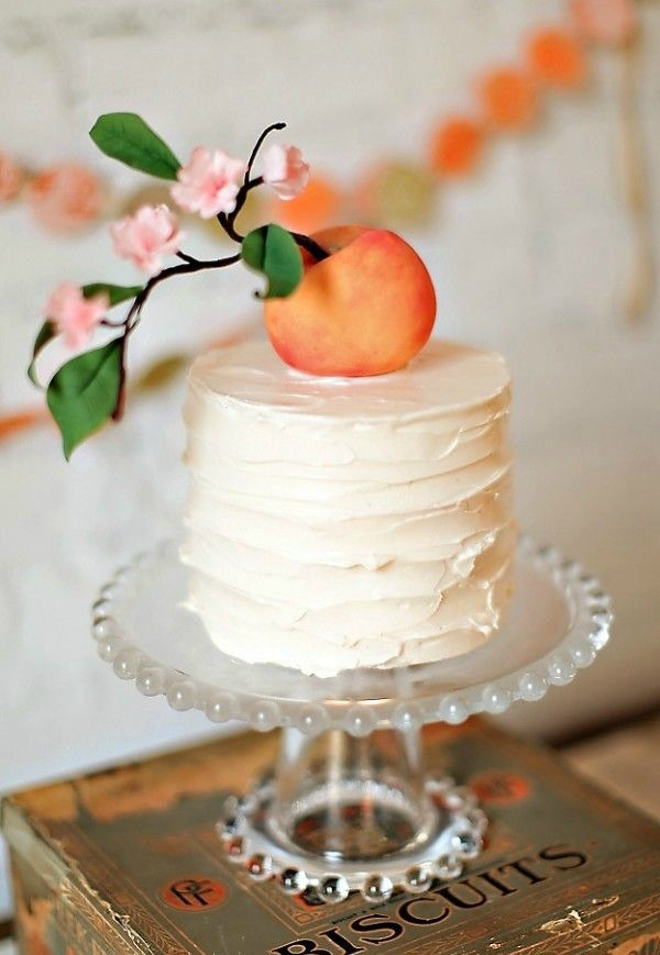 White Single Tier Wedding Cake