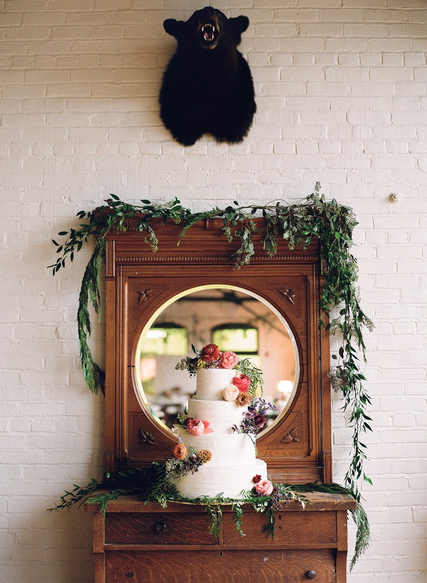 Vintage Wedding Cake // Photography ~ Whitney Neal