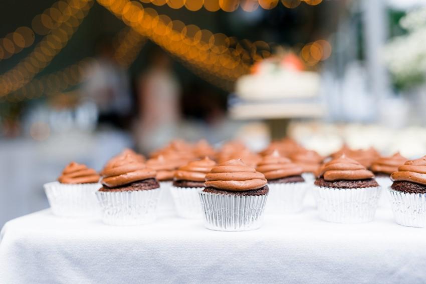 Wedding Cupcakes // Photography ~ Anna Kardos
