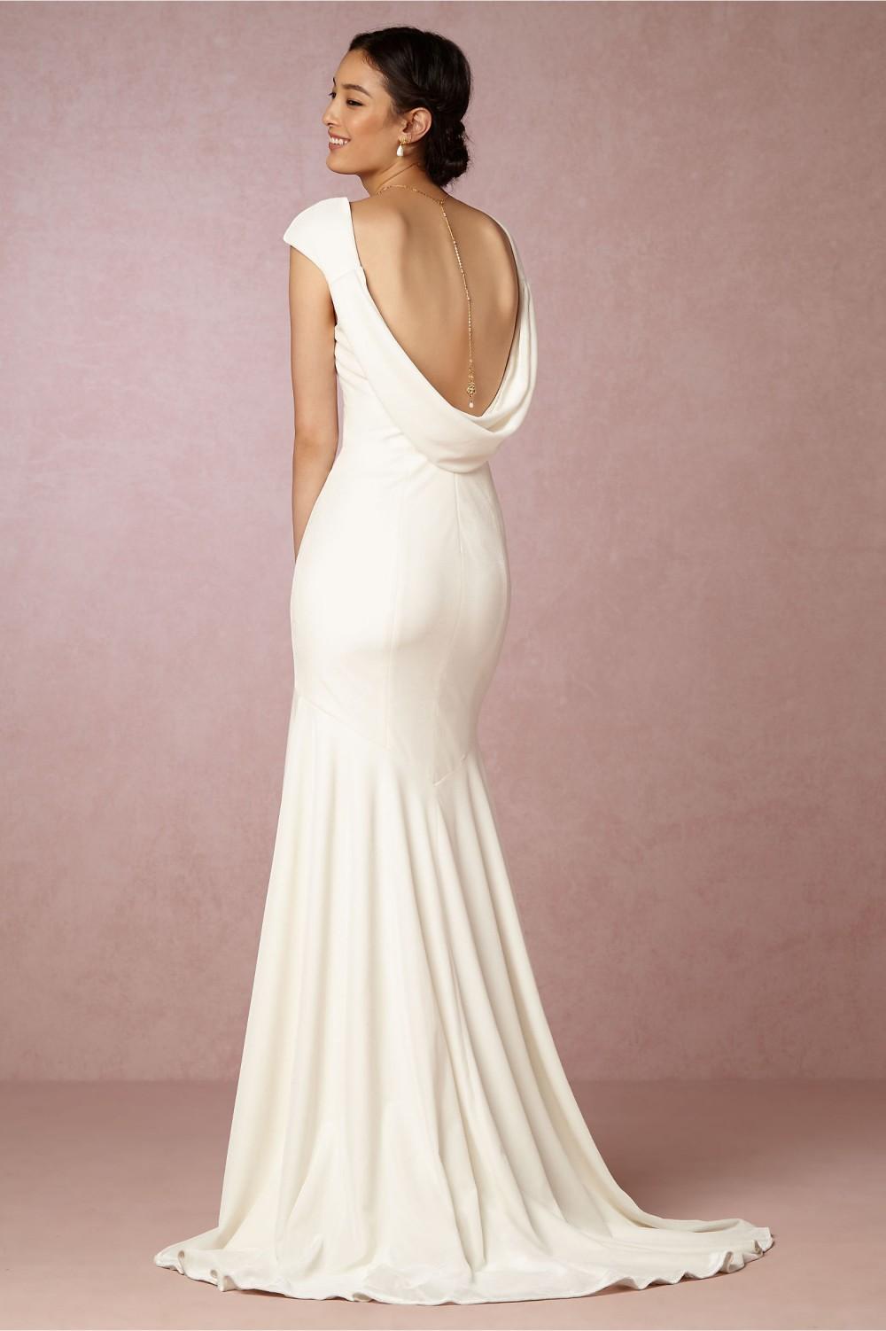 20 Beautiful Wedding Dresses Under 1000 That Look