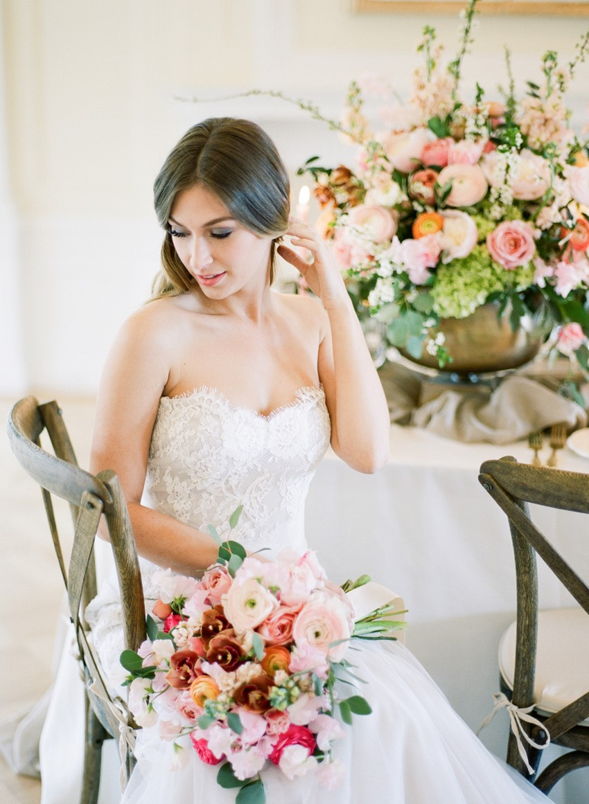 Romantic Modern Vintage Bride // Photography ~ Artiese Studios || Blush Weddings || Gold Weddings
